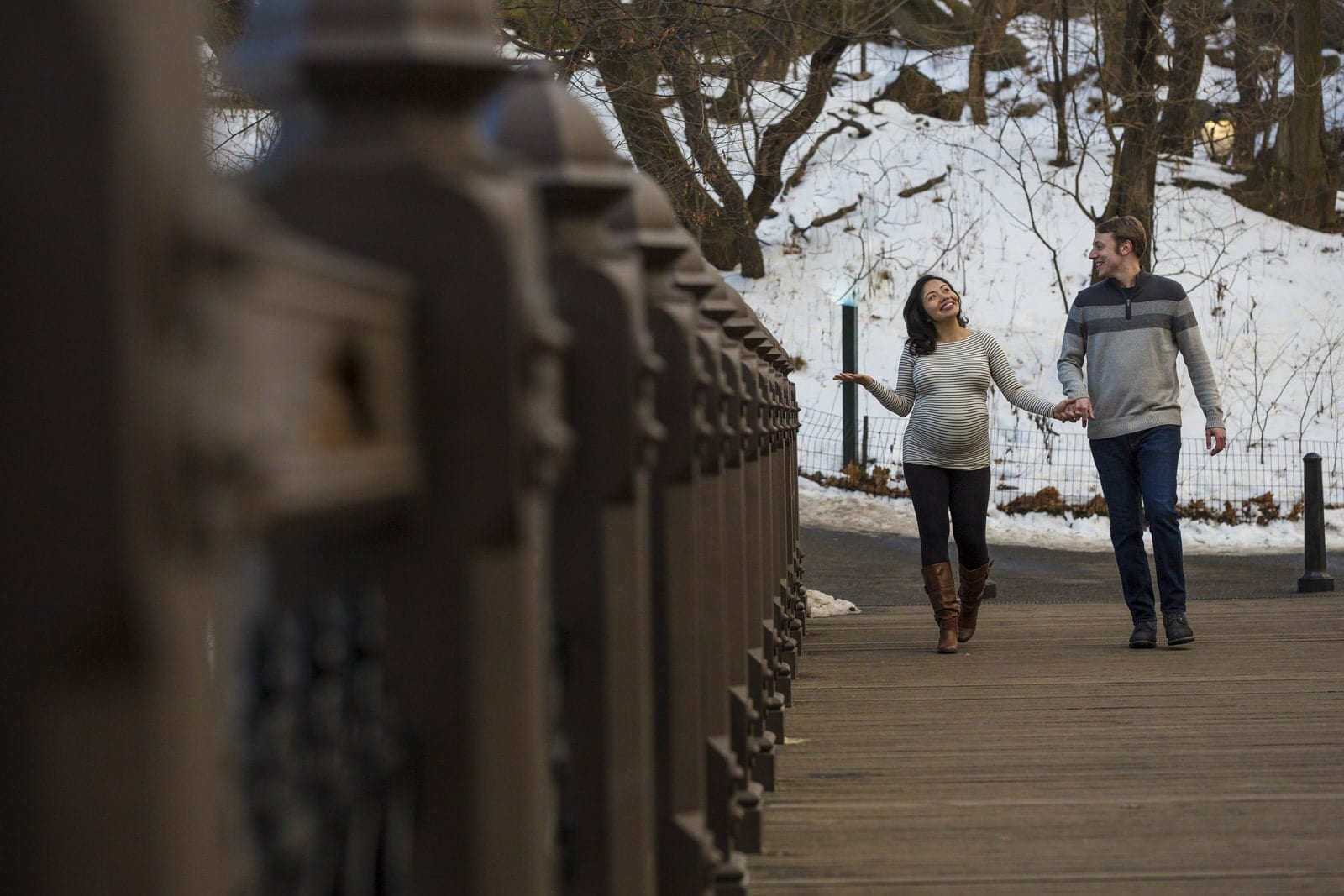 maternity portrait walking on central park
