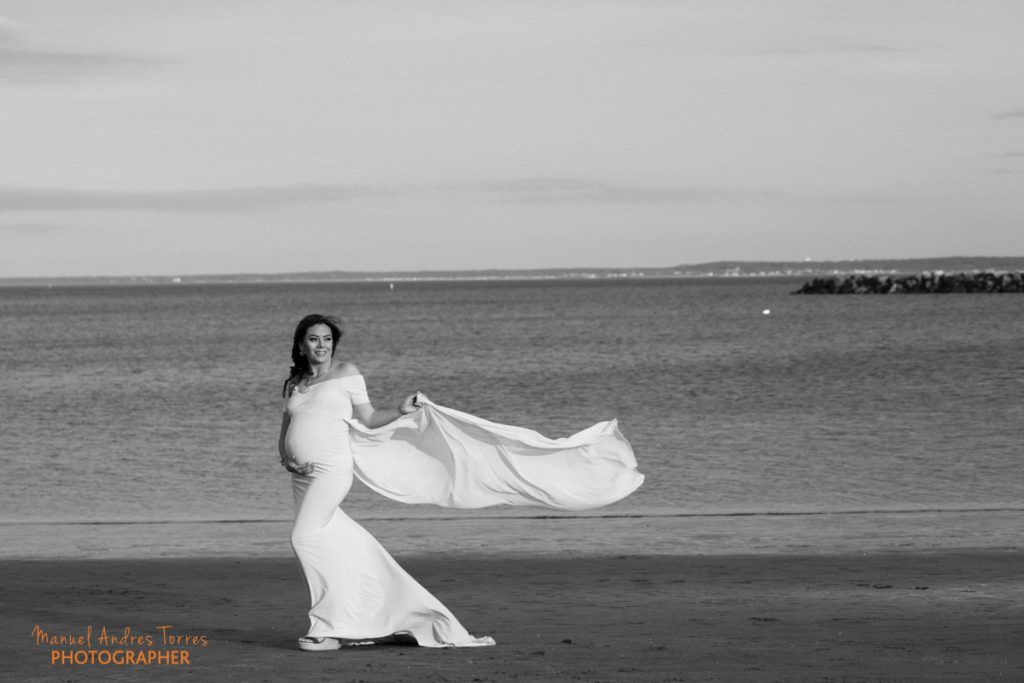 maternity photography on the beach